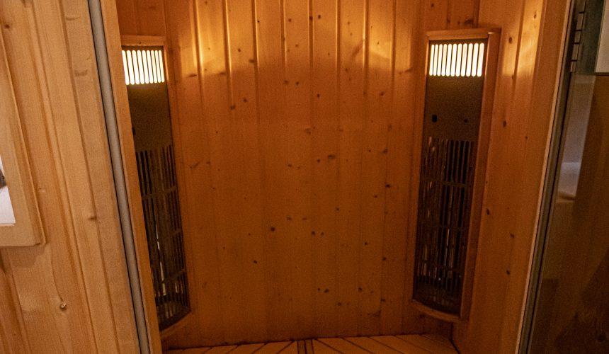 Sauna im Bambuszimmer